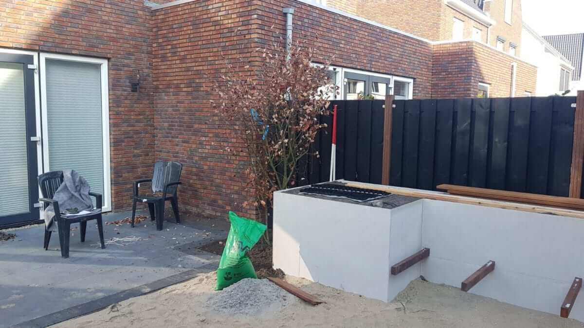 plantenbak op maat betonlook tuinaanleg Haarlem