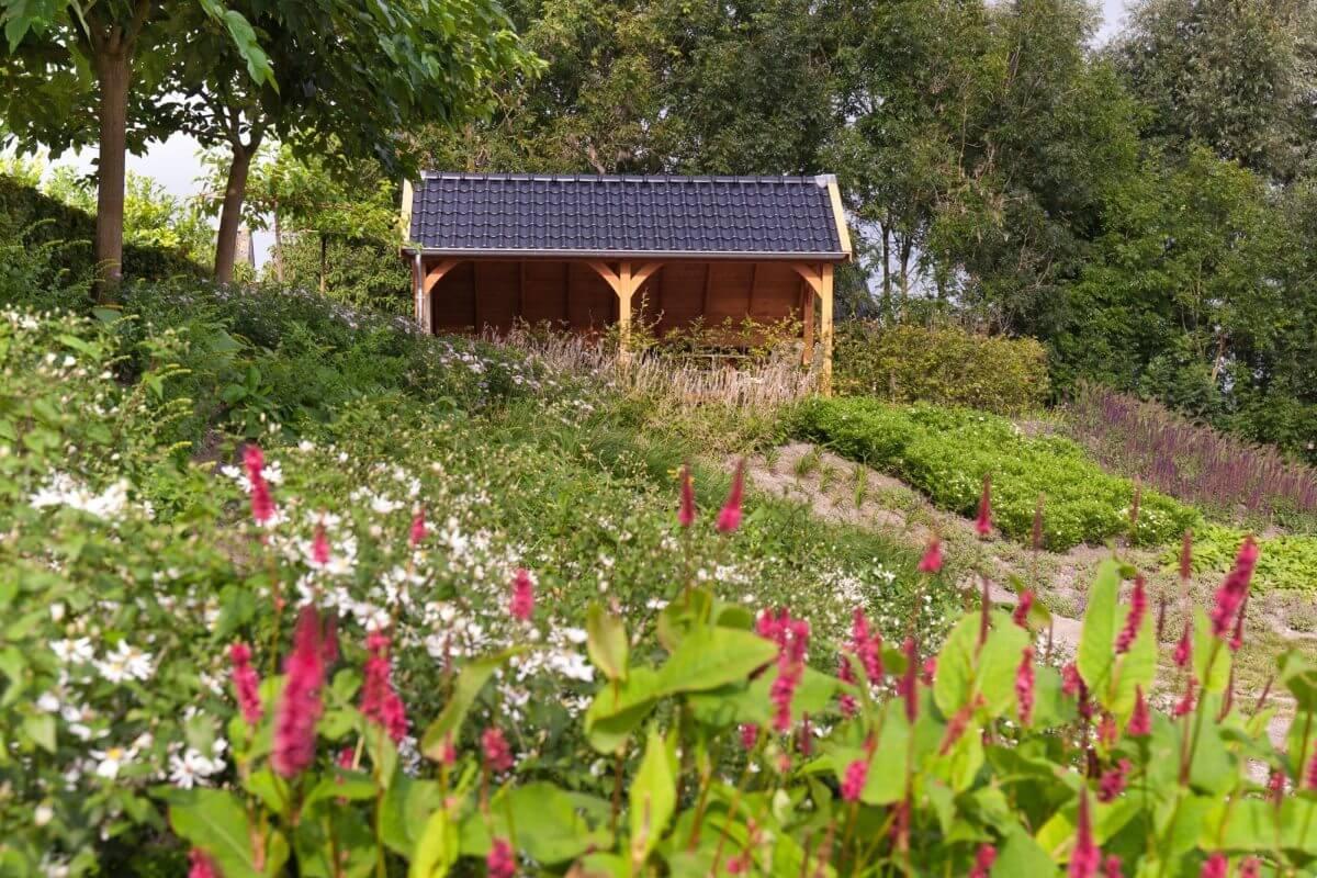 terrasoverkapping tuinaanleg hovenier Alphen aan de Rijn