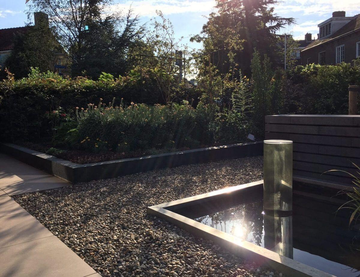 tuin vijver hovenier tuinaanleg Badhoevedorp en omgeving