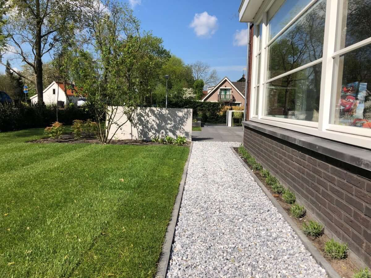 betonlook wand moderne tuin Amsterdam