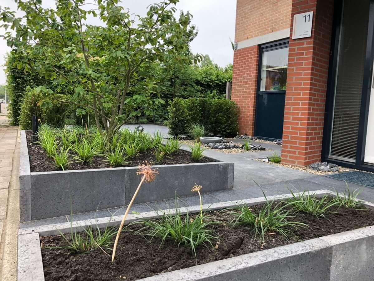 Oud Hollandse bloembak aanleggen tuinman
