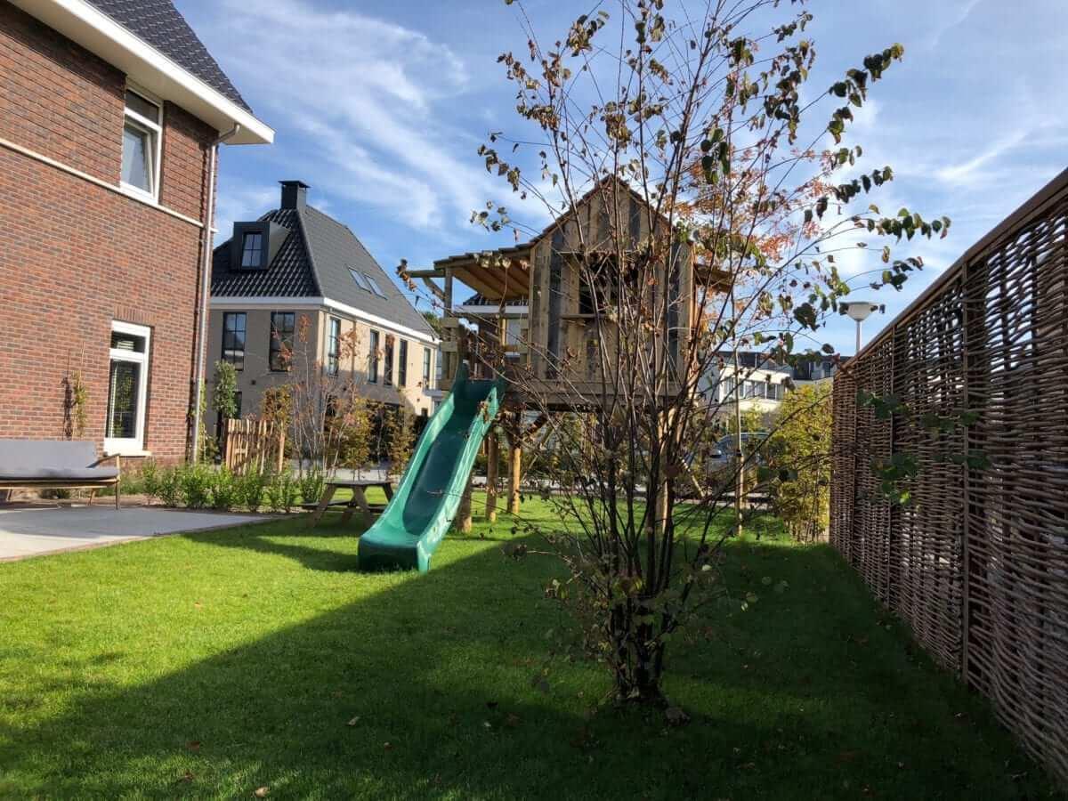 wilgentegen speeltoestel tuinaanleg Amsterdam