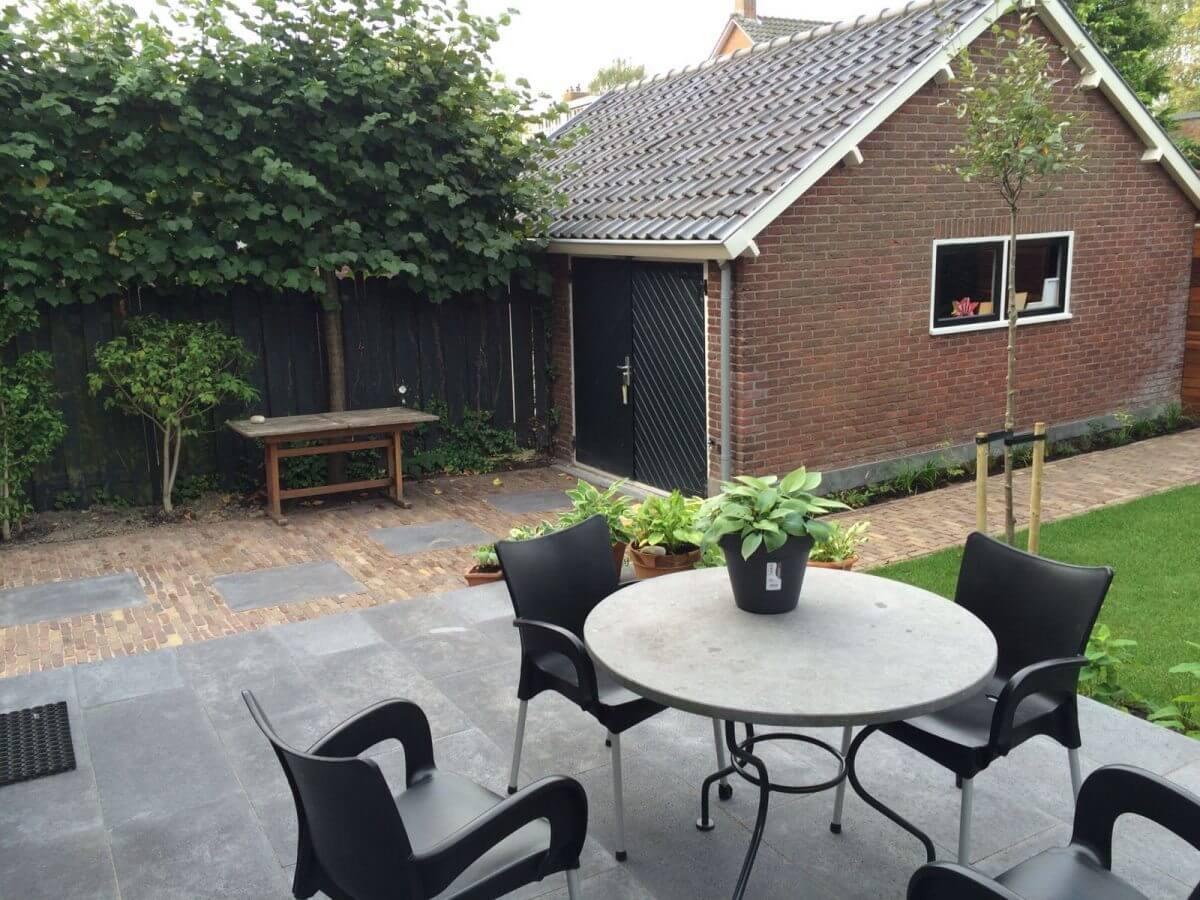 tuin gras beton tegels tuinman Badhoevedorp