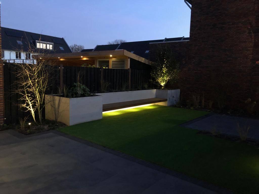 tuinbank met verlichting Amsterdam hovenier