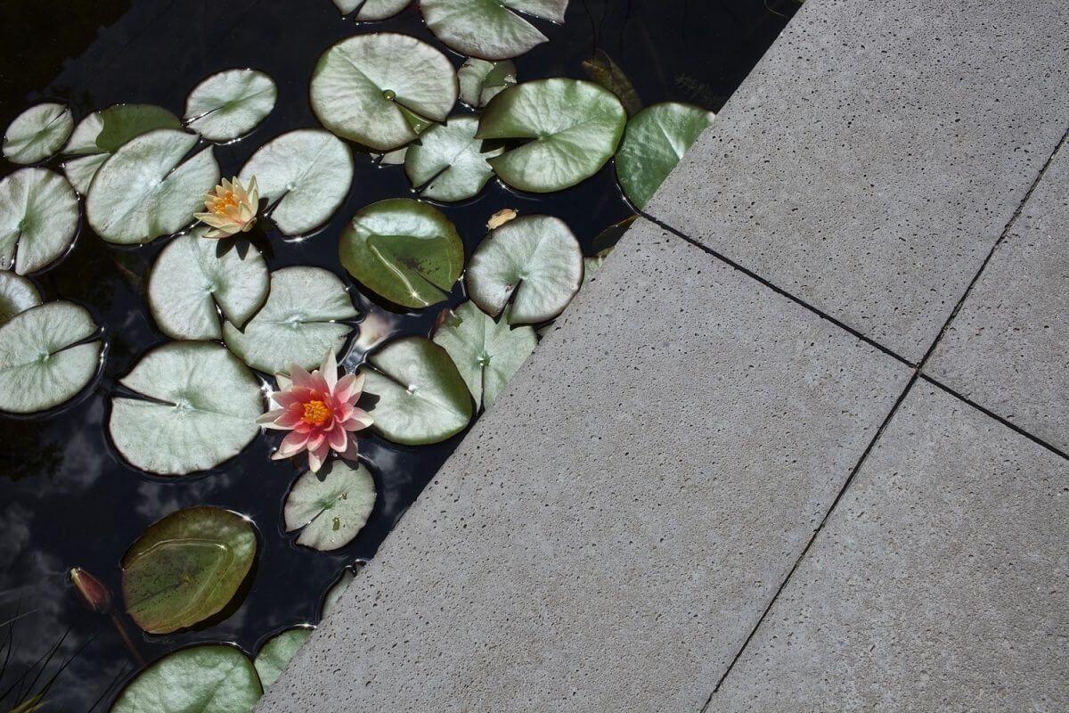 Betontegels, steen beton, hovenier tuinaanleg Amsterdam Haarlemmermeer